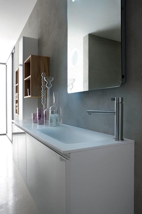Consigli utili per arredare un bagno lungo e stretto - Arredare bagno stretto e lungo ...